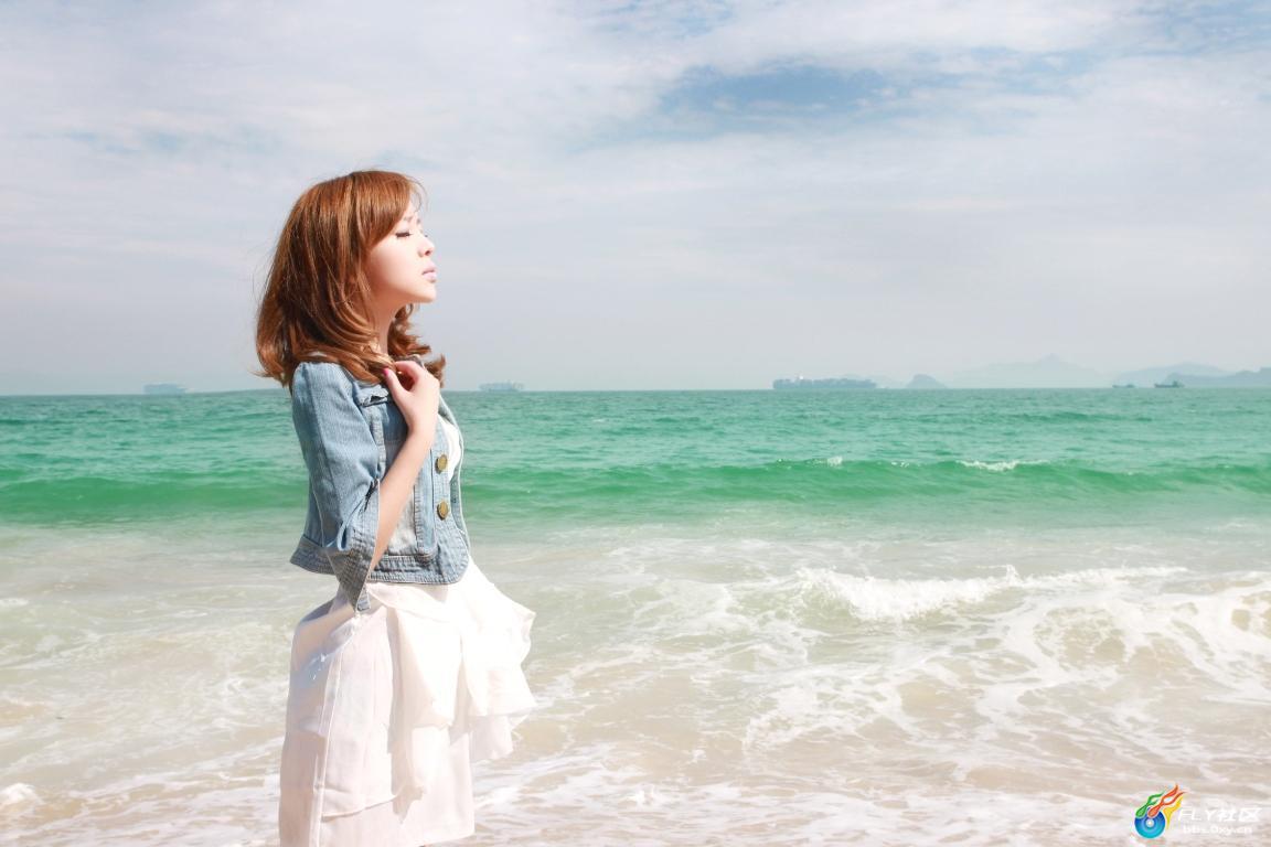 美女裴紫绮 马尔代夫的海滩