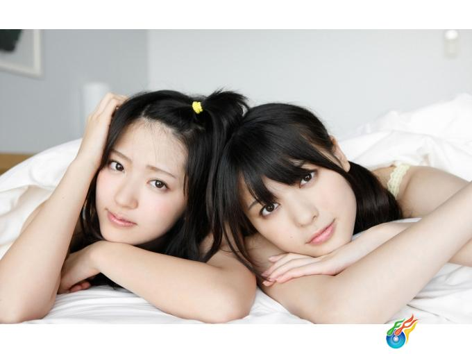 阳光可爱的两姐妹